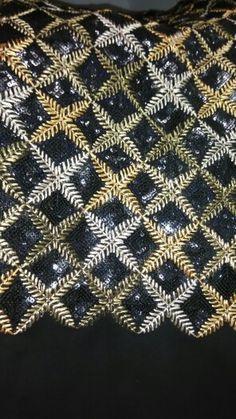 Black and gold sikons tiki