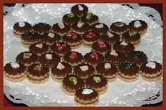 HAJANY - Recepty - Cukroví - 23 receptů s obrázky Czech Recipes, Gingerbread Cookies, Tiramisu, Waffles, Biscuits, Muffin, Breakfast, Food, Bakken