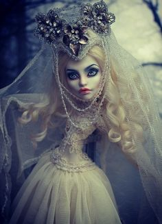 Monster High OOAK Spectra The Snow Queen by olgakowka51r