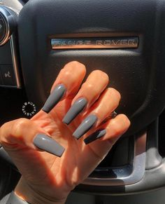 How to choose your fake nails? - My Nails Pretty Nail Colors, Pretty Nails, Coffin Shape Nails, Coffin Nail, Classy Nail Designs, Diamond Nails, Fire Nails, Nagel Gel, Best Acrylic Nails