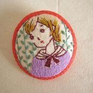 手刺繍ブローチ 『ほっぺちゃん』の画像