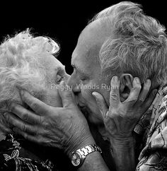 These 20 photos prove: true love knows no age - Mens Fansion