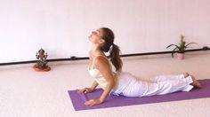 Eine fordernde Yogastunde für körperliche Fitness: Konditionstraining mittels vieler Sonnengebete, Krafttraining mittels isometrischer Variationen von Sonnengebet (Surya Namaskar) und Navasana. Anschließend Flexibilitätstraining und Koordinationstraining mittels klassischer, meditativer, statisch gehaltener Asanas. Dann folgen Tiefenentspannung, Atemübungen (Kapalabhati und Wechselatmung) sowie Meditation. Am Anfang ist diese Yogastunde sehr anstrengend. Gegen Ende wird die Yoga-Stunde…