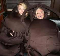 Taylor Swift and Kellie Pickler