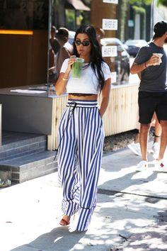 Kourtney Kardashian, Rita Ora & More Celebs Doing the Peek-a-Boo Bra Trend Kourtney Kardashian, Estilo Kardashian, Kardashian Style, Peek A Boo Bra, Girl Fashion, Fashion Outfits, Style Fashion, Sheer Clothing, Street Style Summer