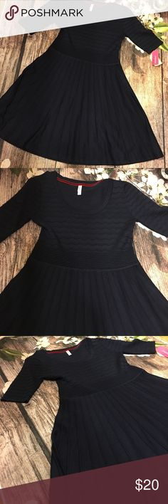 Fit and flare dress Supper nice sweater material thick fabric nice textured pattern really cute navy blue dress price firm Xhilaration Dresses Midi