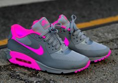 Top 10 Nike Air Max Customs II The Nike Air Max collection is one of the top rated and dominant collections of all time Women's Shoes, Nike Air Shoes, Hype Shoes, Shoe Boots, Shoes Style, Cute Sneakers, Sneakers Mode, Sneakers Fashion, Shoes Sneakers