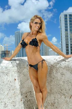 A picture of Heather Green. This site is a community effort to recognize the hard work of female athletes, fitness models, and bodybuilders. Weight Loss For Women, Easy Weight Loss, Healthy Weight Loss, Reduce Weight, How To Lose Weight Fast, Fitness Models, Fitness Tips, Get Healthy, Healthy Tips