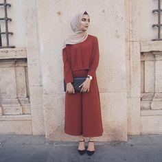 "2,054 Likes, 43 Comments - ⠀⠀⠀Zara ✈️ (@zaraazix) on Instagram: ""The Perfect Autumn Abaya @beveiledabayas (wearing Earth Grey Chiffon Hijab from @voilechic use…"""