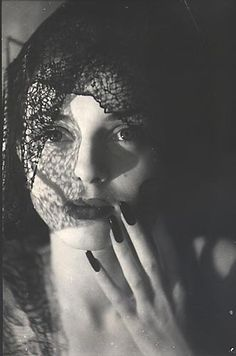 Jacques-Henri Lartigue~ Florette,1944