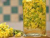 Bylinné víno — Recepty — Kouzelné bylinky — Česká televize Macaroni And Cheese, Glass Vase, Cooking, Ethnic Recipes, Food, Kitchen, Mac And Cheese, Essen, Meals