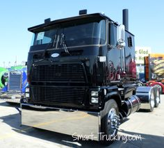 We used to call these cabover Fords 'Sky-Scrapers'. They had one of the very first air-ride cab systems. They didn't quite have all the bugs worked out. Whenever you went around a corner, it felt like the damn thing was gonna tip over. Still, a neat old truck.