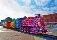 detail of crocheted locomotive by Agata Olek exhibited in Lodz Poland Yarn Bombing, Crochet Amigurumi, Crochet Art, Knit Art, Crochet Ideas, Guerilla Knitting, Street Art, Street Graffiti, Urbane Kunst
