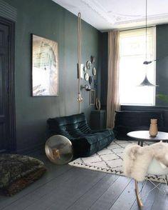 De Los Angeles à la Belgique en passant par Paris, le canapé Togo a su s'intégrer dans tous les styles de décors.