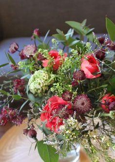 Les Mauvaises Herbes #flowershop #lesmauvaisesherbes #flowers #fleurs #bouquet #bordeaux #nature renoncule/eucalyptus/limonium/astrance/wax