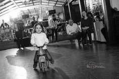 Fotograf de botez București - Fotograf botezuri - Fotografia de botez Concert, Fotografia, Recital, Concerts
