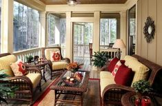 porches cozy home Cozy Screened in Porch Ideas 81 Screened In Porch Furniture, Screened Porch Decorating, Screened In Patio, Home Porch, House With Porch, Outdoor Rooms, Outdoor Living, Indoor Outdoor, Enclosed Porches