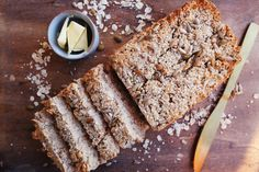Nutty Oat Bread - made with oats, greek yoghurt, eggs and nuts. Runner Beans, Greek Yoghurt, How To Make Bread, Banana Bread, Eat, Desserts, Recipes, Food, Tailgate Desserts