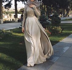 Hijab soiree outfits for women – Just Trendy Girls Muslim Fashion, Hijab Fashion, Fashion Outfits, Hijab Evening Dress, Evening Dresses, Prom Party Dresses, Ball Dresses, Eid Outfits, Hijab Trends