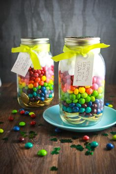 St. Patrick's Day in a jar! Gold coins at the bottom, topped with skittles, then marshmallows - a cute surprise for the kids or even a St. Patty's party favor!