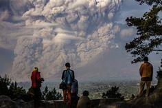 2015: Het jaar van vulkanische activiteit Het is een bijzonder bewogen jaar voor vulkanen over de hele wereld geweest. Van de naar schatting 1500 actieve vulkanen, zijn er ca. 50 uitgebarsten.