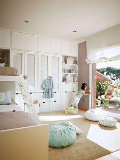 Un dormitorio muy completo y ordenado · ElMueble.com · Niños