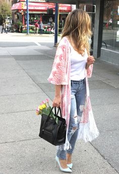 Kymono rosa con flores
