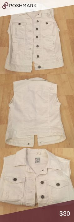 Guess Jean Vest White jean vest. Excellent condition, never worn. Would look cute with a maxi dress! Guess Jackets & Coats Vests