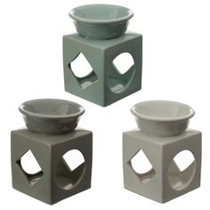 Our range of oil and wax burners covers a huge selection of designs and colours and, whether you are using them as decoration or for infusing your home with fragrance, they are great value for money. This item can be used with oil and water, wax melts or granules. Always use a good quality standard tea light and do not overfill the dish. Single item, random colour supplied. Height 12cm Width 9cm Depth 9cm (approx 5 x 3.5 x 3.5 inches)