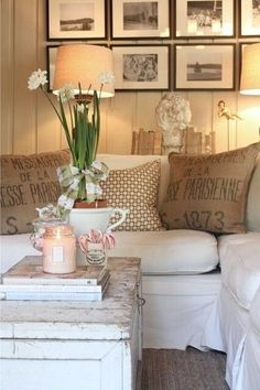 Interior Planning Tips Tricks And Techniques For Any Home. Interior design is a topic that lots of people find hard to comprehend. However, it's actually quite easy to learn the basics of effective room design. Home Living Room, Living Room Decor, Bedroom Decor, Modern Bedroom, Pottery Barn Look, Farmhouse Pottery, Diy Casa, Home Remodeling Diy, Home And Deco