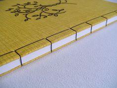 Cuaderno hecho a mano.