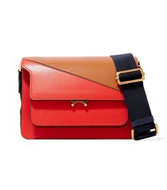f8d8d9050b42f It s in the BAG · There Are Basically 2 Types of Handbags That Will Always  Be in Style via  WhoWhatWearUK