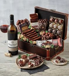 Wine Gift Boxes, Wine Gift Baskets, Gourmet Gift Baskets, Gourmet Gifts, Wine Gifts, Gourmet Recipes, Best Chocolate Gifts, Chocolate Malt, Chocolate Gift Boxes