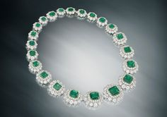 Collar de esmeraldas y diamantes que perteneció a la duquesa de Windsor