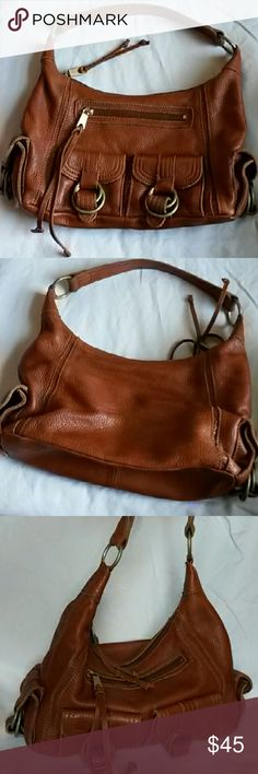 Banana Republic leather cognac handbag Soft leather shoulder bag. Measures 11 x 8 x 4 inches. Strap is 18 inches with a 9.5 inch drop. Banana Republic Bags Shoulder Bags