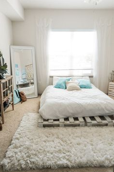 Dormitorios Beachy Boho Bedroom Bed - Sweet Teal Be There For Your Kid Finding time Room Ideas Bedroom, Bedroom Bed, Cozy Bedroom, Home Decor Bedroom, Bedroom Office, Budget Bedroom, Pallet Ideas Bedroom, Ideas For Small Bedrooms, Boho Bedroom Diy