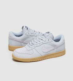 Big Nike Lux - find out more on our site. Find the freshest in trainers and clothing online now.