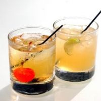 how to make amaretto sour with sweet and sour mix