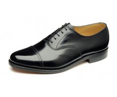 Loake Elland - Classic toe cap oxford, made in England. Leather Fashion, Leather Men, Leather Shoes, Black Leather, Men's Fashion, Lace Up Shoes, Men's Shoes, Shoe Boots, Dress Shoes