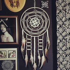 Instagram photo by @aurvgon via ink361.com Dream Catcher Native American, Medicine Wheel, Arts And Crafts, Diy Crafts, Feather Design, Sun Catcher, Boho Decor, Fiber Art, Dreamcatchers