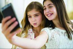 Les réseaux sociaux recrutent à la récré // Dans la bataille des réseaux sociaux («the place to be» pour toucher les jeunes), Facebook se taille la part du lion, mais le phénomène Snapchat ne cesse de gagner du terrain.