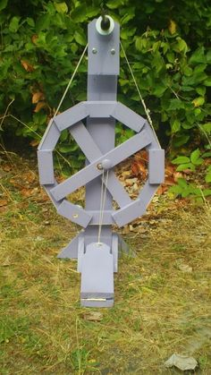 The Dodec Spinning Wheel - This person made some modifications in the spindle/receiver area that are worth considering. Diy Spinning Wheel, Spinning Wool, Hand Spinning, Spinning Wheels, Hobbies And Crafts, Diy And Crafts, Drop Spindle, Loom Weaving, Soap Making