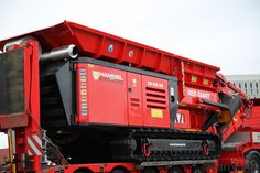 Hammel Red Giant - the world's most powerful shredder [1024 x 683] - video in comments of it eating engine blocks