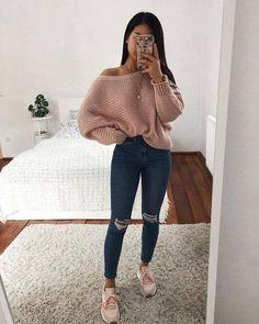 insta: @rachelfinz Cute Outfits For Winter, Cute School Outfits, Cold Weather Outfits For School, College Outfits, Female Outfits, Teen Fashion Outfits, Outfits For Teens, Trendy Outfits, Girl Outfits