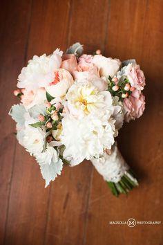 Rosehill Plantation wedding - ivory and blush wedding bouquet