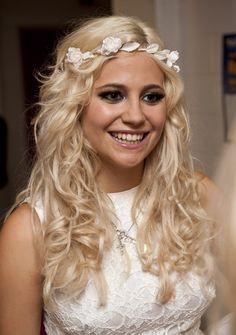 Pixie Lott, romantic curls