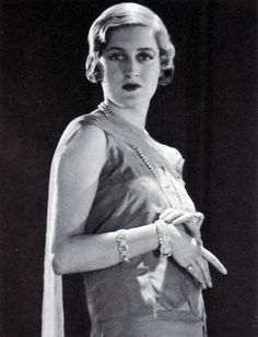 Edwina Prue, patou model - Google Search Silent Film Stars, Old Hollywood, Pin Up, Flappers, Statue, Model, Fictional Characters, Beautiful, Google Search