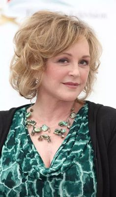 Hairstyle reinventions are sought after by girls and women alike. So why should the threshold of 50 stop you? Here are the best Hairstyles for women over 50 to check out Haircuts For Medium Hair, Very Short Haircuts, Short Hairstyles For Women, Medium Hair Styles, Straight Hairstyles, Curly Hair Styles, Cool Hairstyles, Bob Haircuts, Short Hair Lengths
