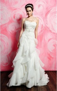 All brides imagine finding the perfect wedding day, but for this they require the most perfect bridal wear, with the bridesmaid's dresses enhancing the brides dress. Here are a number of ideas on wedding dresses. Chapel Wedding Dresses, Sweetheart Wedding Dress, White Wedding Dresses, Wedding Dress Styles, Bridal Dresses, Bridesmaid Dresses, Dress Wedding, Prom Dresses, Bridesmaids