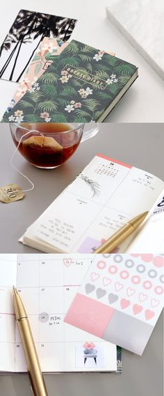 Let this modern and simple scheduler stay with you in 2017! Now, you will stay organized!
